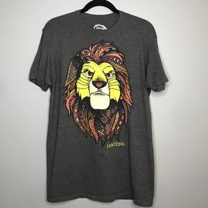 The Lion King graphic tee size L